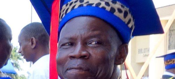 Picture of Prof. Dudu Akaïbe